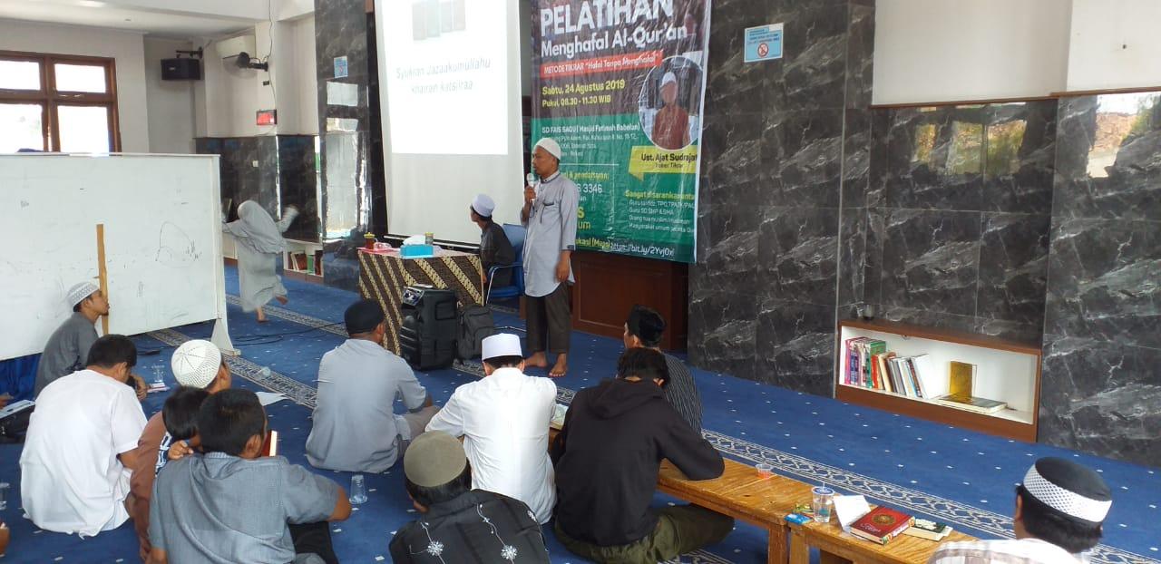 Pelatihan Menghafal Al-Qur'an penyelenggara SD FAIS SAQU, terlihat ramai dan sukses