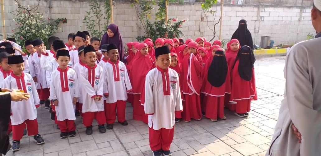 Apel senin pagi Fikrul Akbar Islamic School