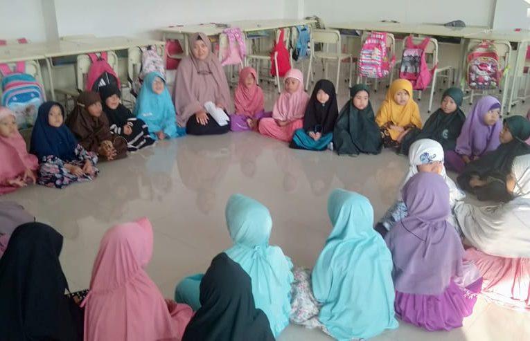 Kegiatan Dzikir Pagi Murid Akhwat/Perempuan SD FAIS